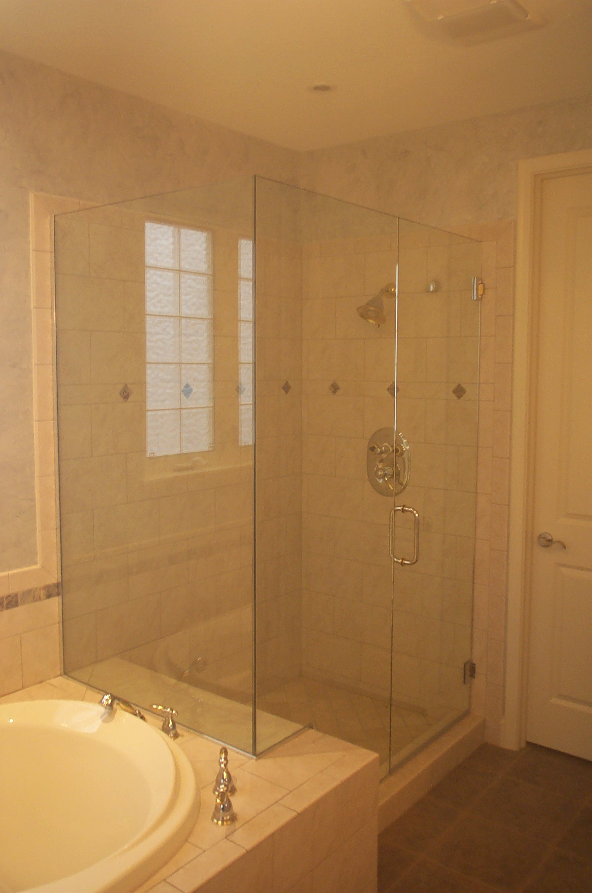 1/4 Frame-less Glass showers