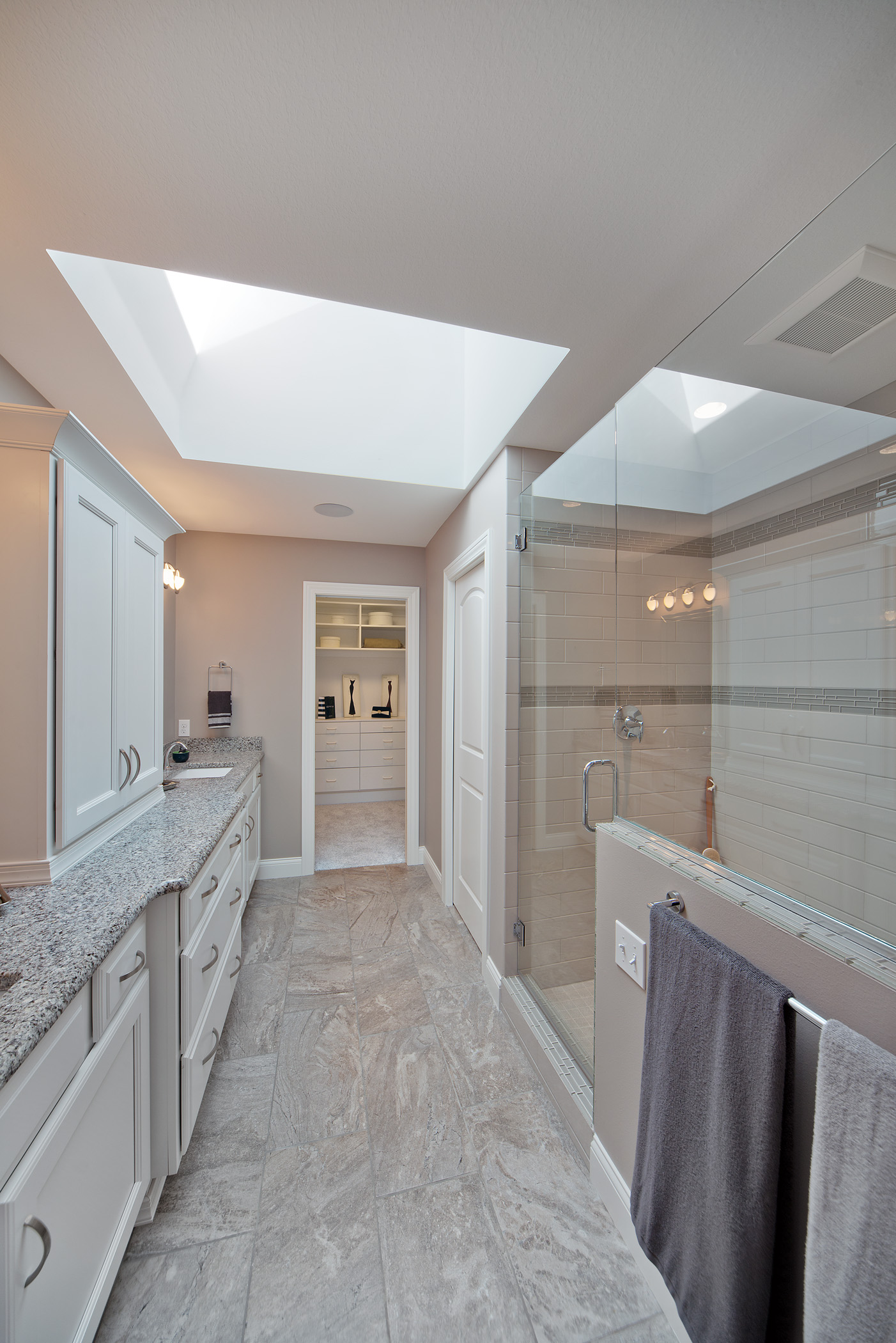 Large Frame-less Glass Showers